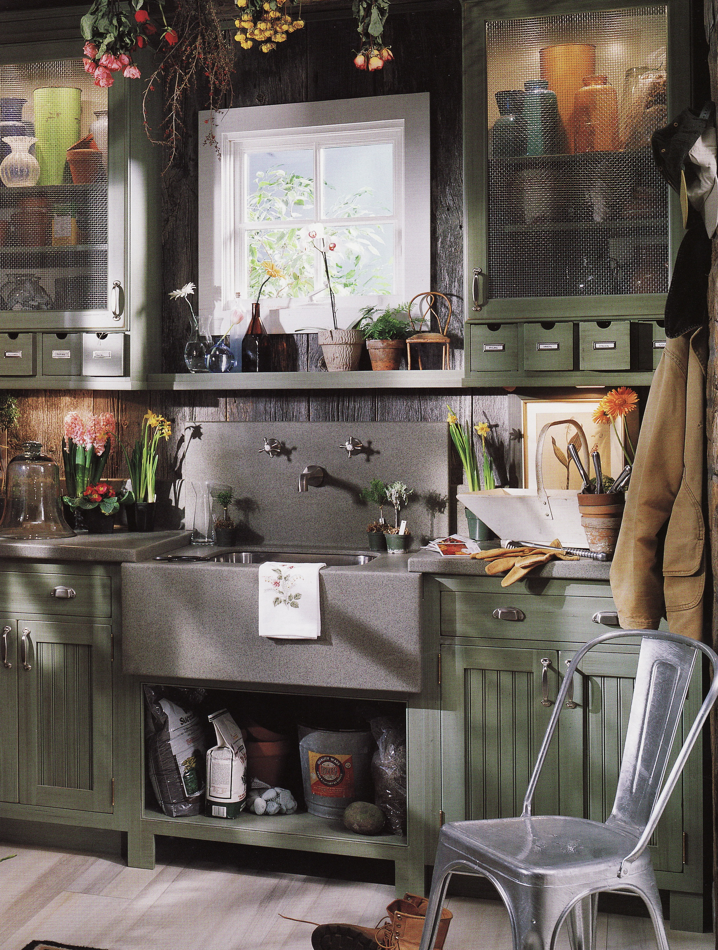 THE ULTIMATE POTTING SHED